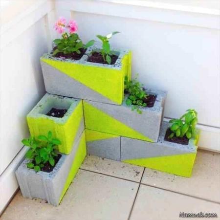 image ایده ساخت باغچه دیواری با بلوک سیمانی