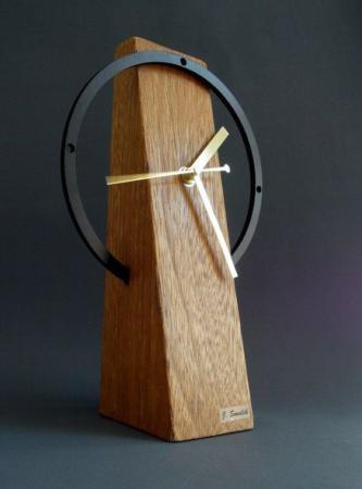 image جدیدترین مدل های شیک ساعت دیواری چوبی