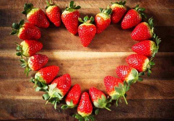 image توت فرنگی برای سلامتی مفید است یا مضر
