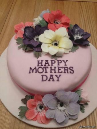 image ایده های خلاقانه تزیین کیک تبریک روز مادر