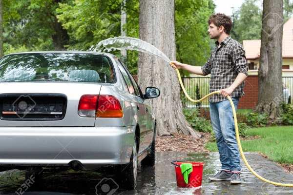 image چطور حرفه ای ماشین خود را نظافت کنید