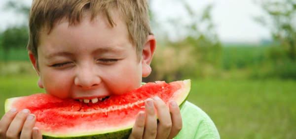 عکس, چه میوه هایی برای کودکان مناسب است در فصل تابستان