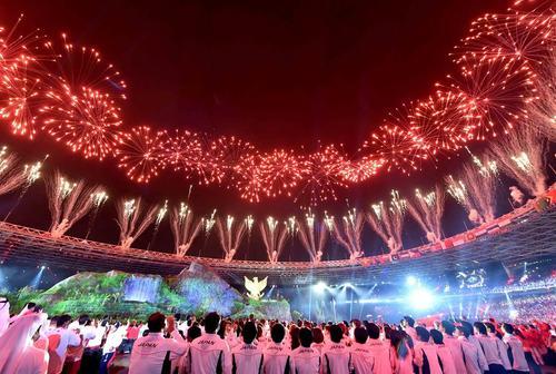 image مراسم آتش بازی افتتاحیه بازی های آسیایی اندونزی