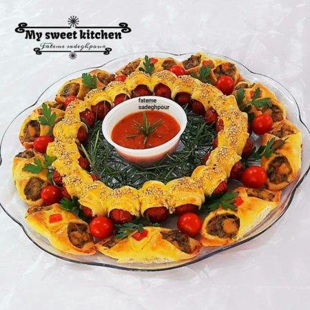 image ایده جالب چیدمان لقمه های قارچ و گوشت برای میز مهمانی