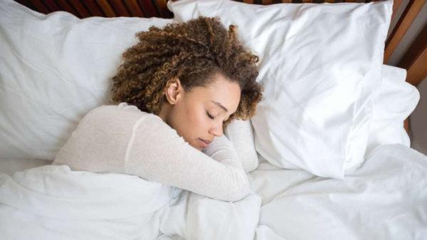 image درمان بیخوابی شبانه با فشار دادن نقاط خاصی از بدن