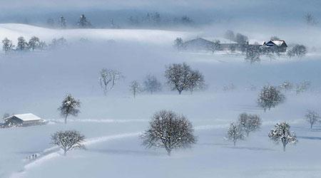 image منظره ای زیبا و دیدنی پوشیده از برف در سوئیس