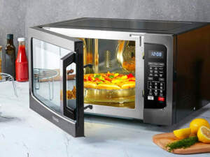 image آموزش دقیق نحوه پخت پیتزا در مایکروویو