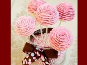 image آموزش پخت کیک شکلاتی و تزیین آن