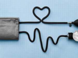 image بهترین راه اندازه گیری فشار خون در خانه چیست