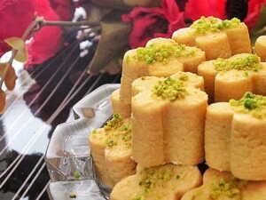 image آموزش درست کردن شیرینی نخودچی خانگی