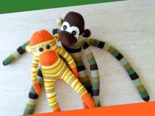 image آموزش تصویری ساخت عروسک میمون بامزه با جوراب
