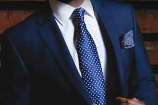 image آموزش ساده ترین روش بستن کراوات با عکس