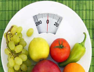 image خوردن میوه در چه ساعاتی از روز مضر است